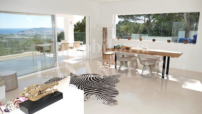 Ibiza Jesús - Modern and comfortable luxury villa with impressive panoramic views to buy