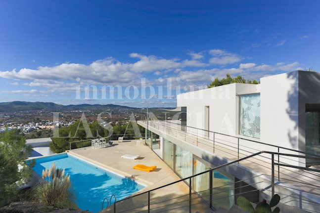 Ibiza Talamanca - Spacious luxurious villa with panoramic views to Dalt Vila and the sea for sale
