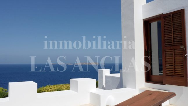 Ibiza west coast - Seafront and tourist rental license! Luxury villa with terrific sea views to buy
