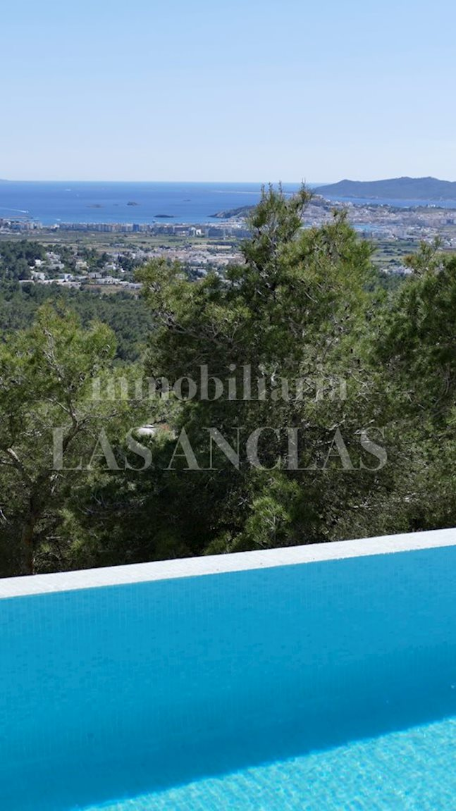 Ibiza Jesús - Marvellous, exclusive villa with stunning views of the sea and Dalt Vila to buy