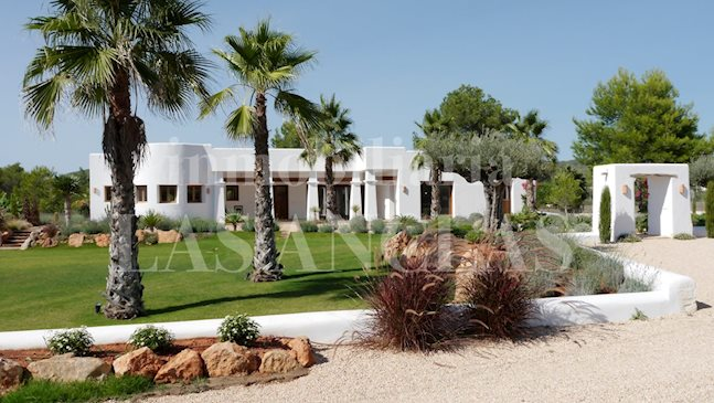 Ibiza Santa Eulalia - New luxury country villa in Blakstad style with underground garage to buy