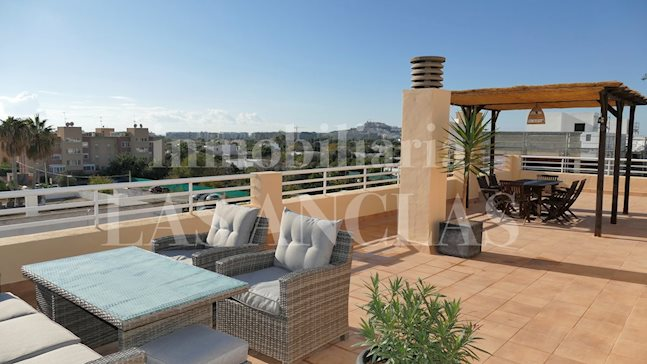 Ibiza Jesús - Light-flooded penthouse flat with 85m² private roof terrace for sale