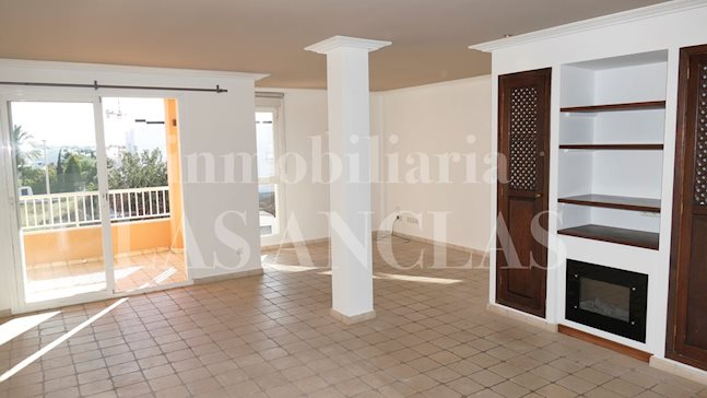 Ibiza Jesús - Exclusive, homely penthouse flat with terrace plus private roof terrace for sale