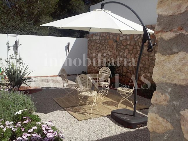 Ibiza Santa Eulalia - Spacious and modern semi-detached house with private pool and garden for sale