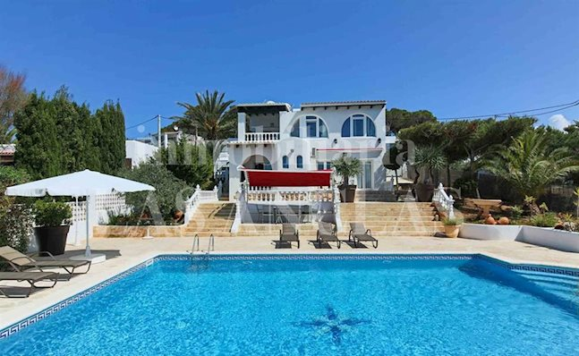 Ibiza Cala Conta - Enchanting villa with touristic rental license and beautiful sea views for sale
