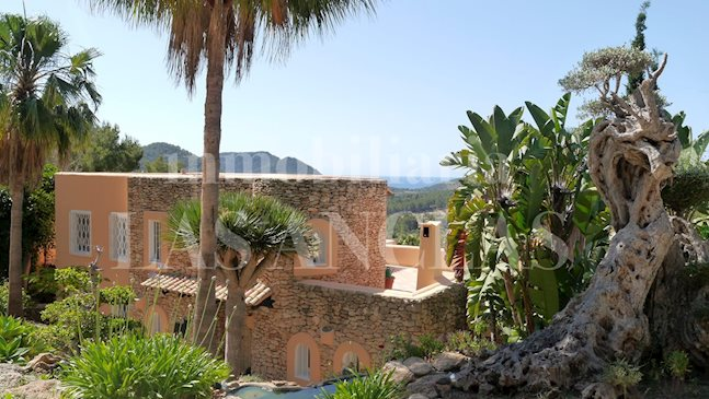 Ibiza Santa Eulalia - Very high quality villa in a wonderful location with enchanting sea views to buy