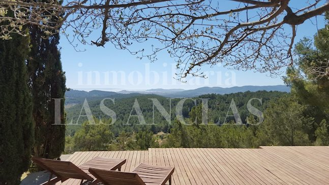 Ibiza Santa Gertrudis - Villa with guest house in the heart of the island with magnificent views to buy