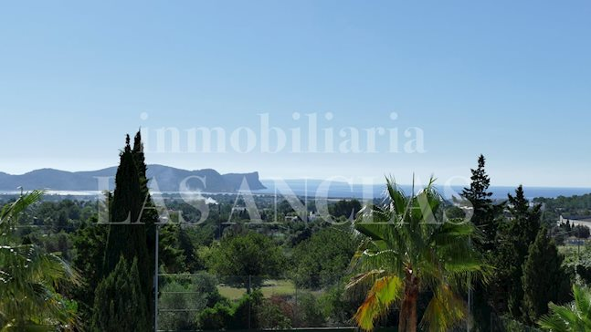 Ibiza between Ibiza & San José - Completely reformed 6 bedroom villa with sea views and tennis court for sale