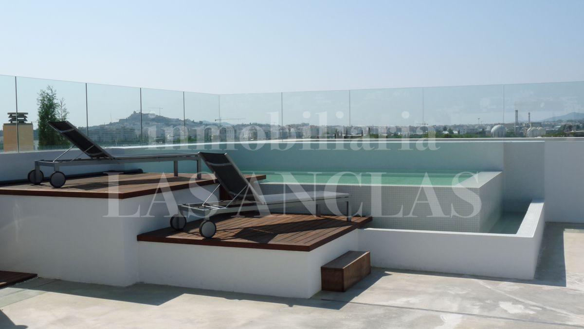 penthousewohnung mit dachterrasse babblepath. Black Bedroom Furniture Sets. Home Design Ideas